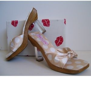 Two Lips Silk NEW Knot Slide Lucite Sandals 9 NIB
